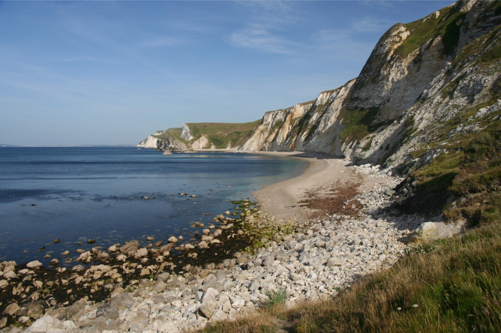 I decided to walk to Durdle Door along the beach but getting there wasn't easy.